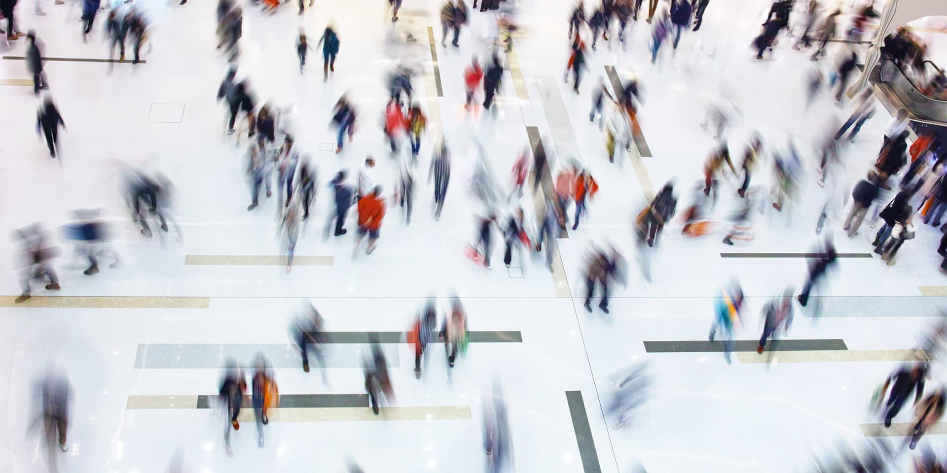 Menschen auf einem Platz